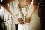 suknia ślubna i srebro